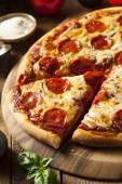 Hot Homemade Pepperoni Pizza — Foto Stock