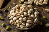 Raw Organic Pistachio Nuts — Стоковое фото