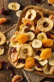 Organik sağlıklı karışık kuru meyve — Stok fotoğraf
