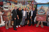 Nick Frost, Sir Ben Kingsley, Elle Fanning, Travis Knight — Stockfoto