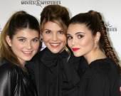 Lori Loughlin, daughters Isabella Rose Giannulli, Olivia Jade Giannulli — Stock Photo