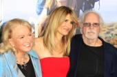 Spouse, Diane Ladd, Laura Dern, Bruce Dern — Stock Photo