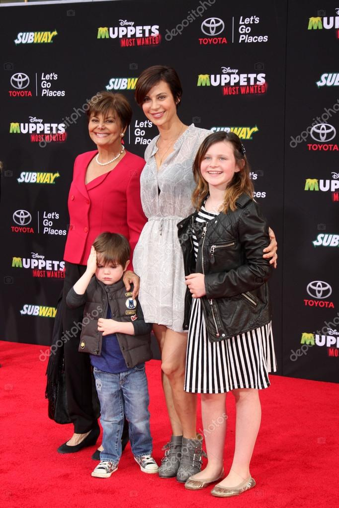 Catherine Bell, family – Stock Editorial Photo © Jean ...