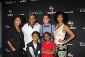 Yara Shahidi, Anthony Anderson, Marcus Scribner, Tracee Ellis Ross, Marsai Martin, Miles Brown — Stock Photo