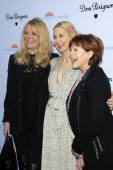 Cheryl Tiegs, Kelly Rutherford, Frances Fisher — Stock Photo