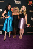 Sofia Carson, Kristin Chenoweth, Dove Cameron — Stock Photo