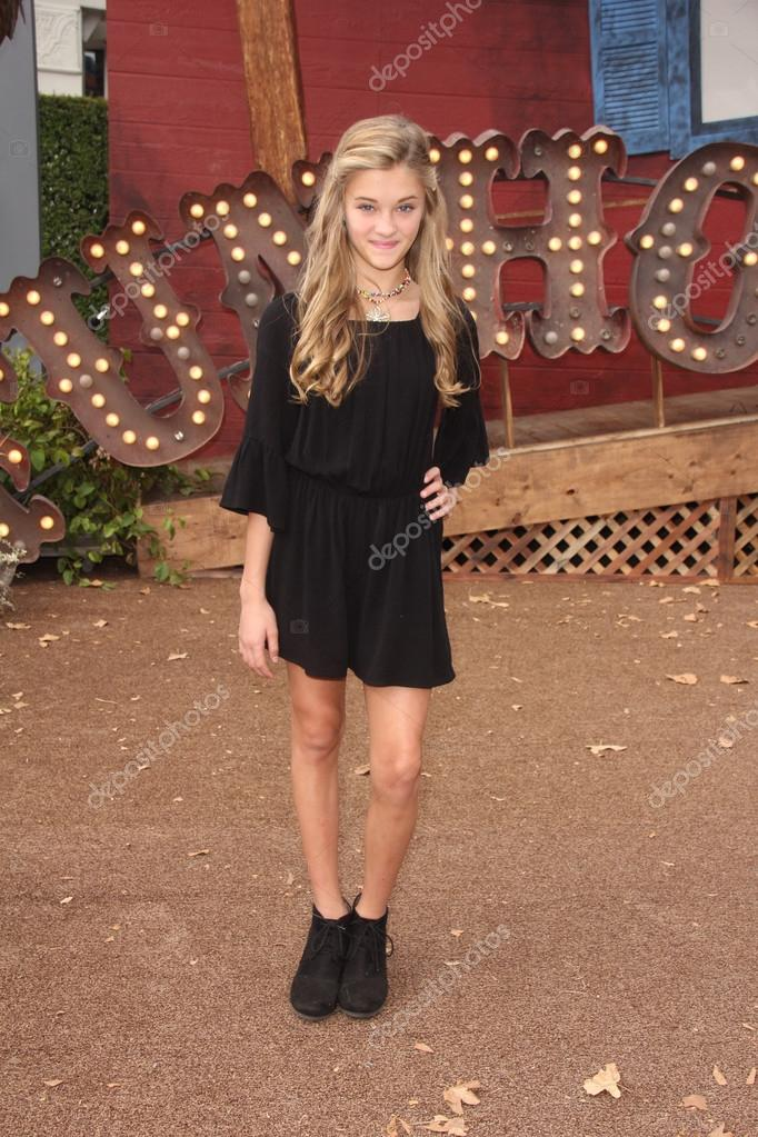 Lizzy Greene Photos Photos - P.S. ARTS Presents Express Yourself ...