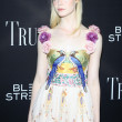 Постер, плакат: Actress Elle Fanning