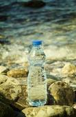 Bottle of the fresh water — Stock Photo