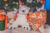 Ursinhos com presentes de natal — Foto Stock