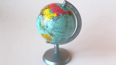 Rotating globe - stop motion animation — Stock Video