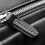 Close up of black leather bag zipper, black leather bag close up — Stock Photo #72240587