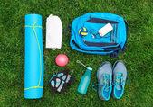 Divers outils et accessoires pour le sport. Concept de remise en forme — Photo