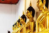 Bouddha dans le temple d'or — Photo