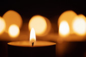 Burning candles with beautiful out of focus — Stock Photo
