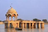Gadi Sagar temple at Gadisar lake, Jaisalmer, India — Stock Photo