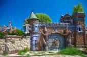 Beautiful house and gate — Stock Photo