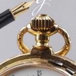 старинные золотые карманные часы — Стоковое фото #63715937