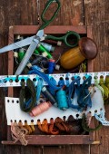 Outdated sewing tools — Stock Photo