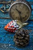 Old-fashioned clock and Christmas toy — Stock Photo