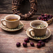 Two ceramic cups brewed tea — Stock Photo