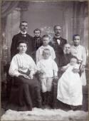一个多代家庭的老式画像 — 图库照片