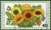 Postage stamp printed in Germany, shows a flowering Calendula officinalis — Stock Photo