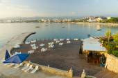 The beaches on the coastline. Outdoor restaurant on the beach. Anatolian coast - a popular holiday destination in summer of European citizens. — Stock Photo