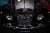 A luxury car Bentley S2 — Stock Photo