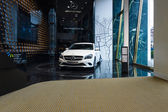 Showroom. Compact executive car Mercedes-Benz CLA200. Produced since 2013. — 图库照片