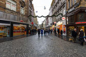 The narrow shopping streets in the historic center. — Stock Photo