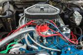 Engine of a Ford Thunderbird close-up, 1977. — Stock Photo