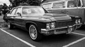 Full-size car Buick LeSabre (Fourth generation). Black and white. — Stock fotografie