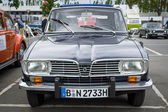 Large family car Renault 16TL — Stock Photo