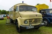Truck Mercedes-Benz LA 710, 1967 — Stock Photo