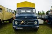 Truck Daimler-Benz L323, 1963 — Stock Photo