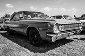 全尺寸轿车道奇波拉拉 1964 — 图库照片