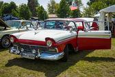 福特本领不小的全尺寸轿车 500 1957 — 图库照片