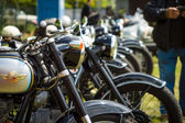 Veteranmotorcyklar stå i rad — Stockfoto
