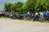 Различные мотоциклов, мопедов и скутеров на выставке поле — Стоковое фото