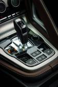 Shift knob of the sports car Jaguar F-Type V8S Convertible (since 2013). Close-up. The Classic Days on Kurfuerstendamm. — Stock Photo