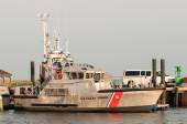 Hatteras, NC, USA - August 8, 2014 : u.s. coast guard boats at c — 图库照片
