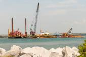 Construction ships in oregon inlet outer banks — Stock Photo