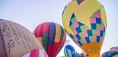 Colorful hot air balloons at festival — Stock Photo