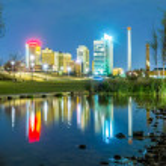 Skyline of Birmingham Alabama from Railroad Park — Stock Photo #70837765