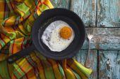 Huevos revueltos en sartén — Foto de Stock