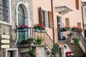 Garda, old part of town, facade detail, Lake Garda, Veneto, Ital — Stock Photo