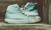Old sneakers in retro style colors — Stock Photo