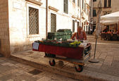 Fruit and vegetable stall, Old Town of Dubrovnik, Croatia.  — Stock Photo