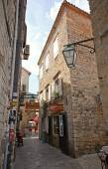 Narrow street at Budva Old Town Center in Budva, Montenegro.  — Stock Photo